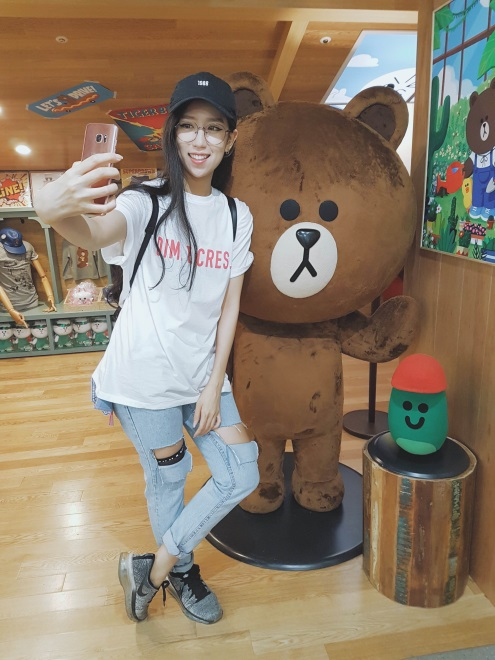 MIN tự tay chọn trang phục cho MV mới tại Hàn Quốc - 4