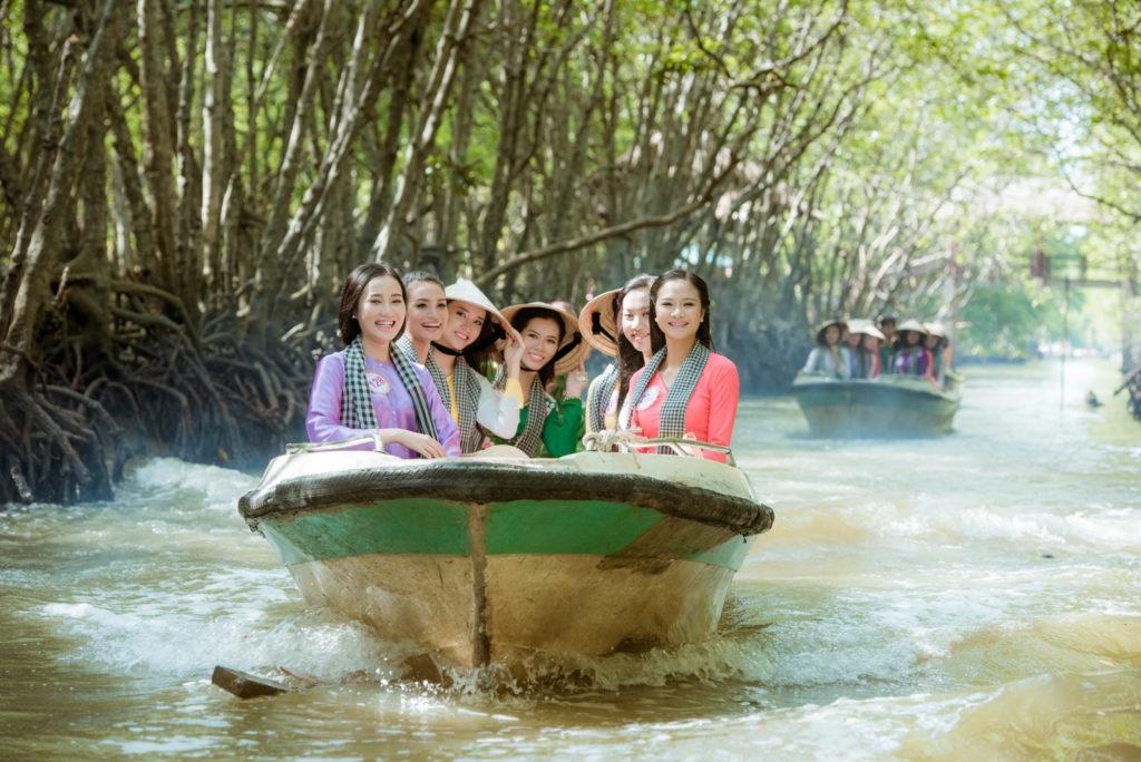 Thí sinh Hoa hậu Việt Nam 2016 gặp sự cố khi thăm đảo khỉ - 5