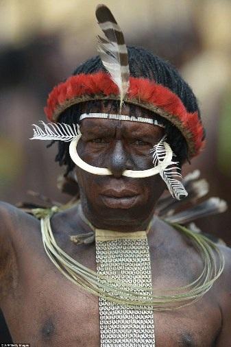 Người dân thung lũng Baliem là các bộ tộc Dani, Lani và Yali, đã được một nhà động vật học người Mỹ Richard Archbold tình cờ phát hiện vào năm 1938, khi ông đang trong một chuyến thám hiểm động vật ở New Guinea