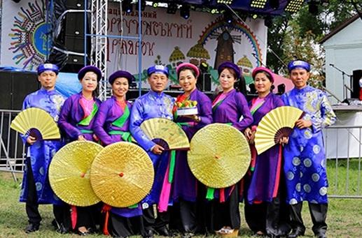 Cộng đồng Việt Nam tại Ucraina tham gia Hội chợ thường niên Sorochinsky Yarmarok - 5