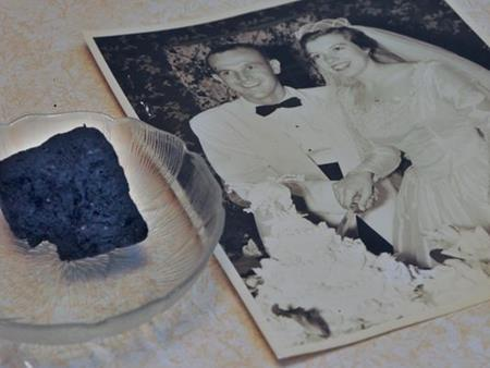 Chiếc bánh cưới có tuổi thọ 60 năm là minh chứng cho tình yêu của hai người