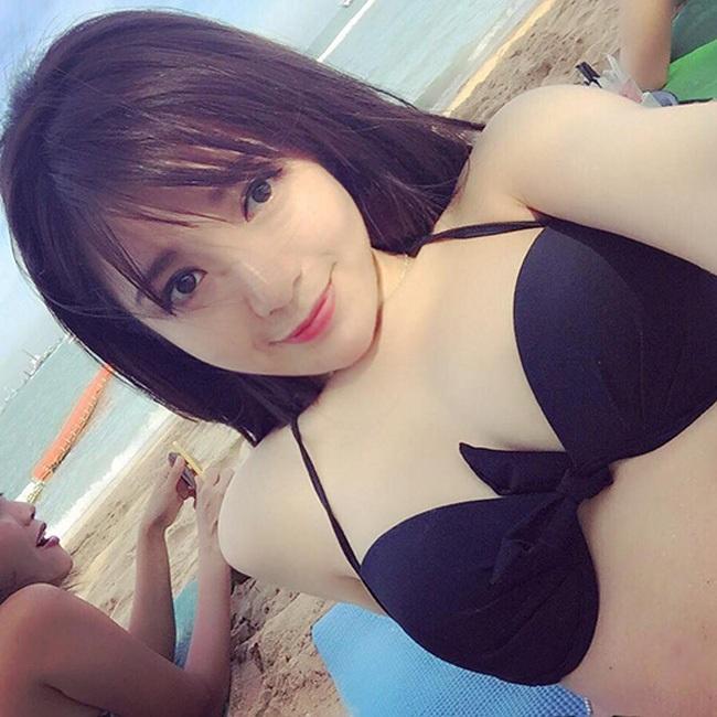 Tú Linh được yêu mến bởi nụ cười tỏa nắng...