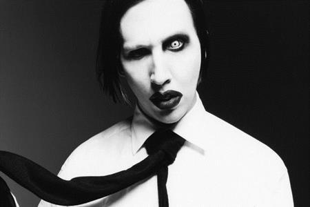 Nam ca sĩ Marilyn Manson vừa lên tiếng bênh vực Johnny Depp