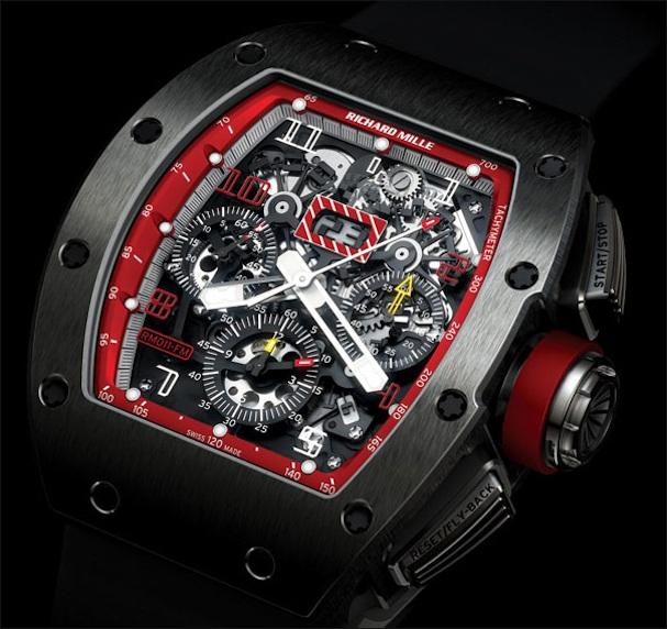 Chiếc RM 011 mang tên tay đua Công thức 1 Felipe Massa sử dụng những công nghệ cũng như chất liệu tiên tiến nhất, mang lại hiệu năng cao nhất cho chiếc đồng hồ.