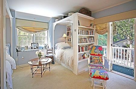 """Rộng tới 2.826 foot vuông, """"tổ ấm"""" này của Taylor Swift sở hữu tới 4 phòng ngủ, 4 phòng tắm và một sân tennis."""