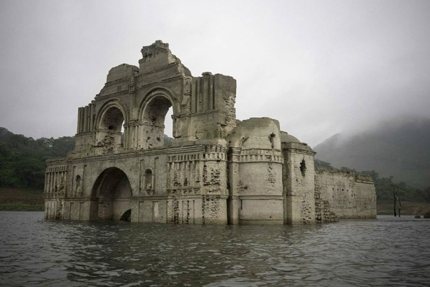 Phát hiện nhà thờ cổ dưới đáy hồ ở Mexico - 5