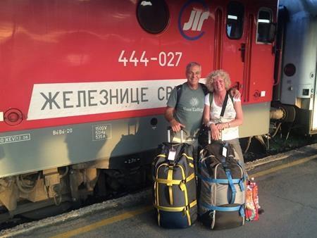 Đón xe lửa tại cộng hòa Serbia