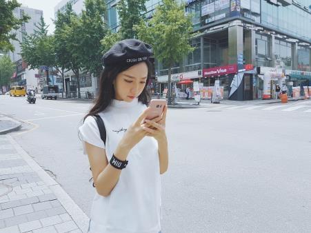 MIN tự tay chọn trang phục cho MV mới tại Hàn Quốc - 6