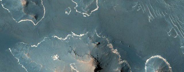NASA công bố hơn 1000 bức ảnh mới nhất chụp từ sao Hỏa - 6