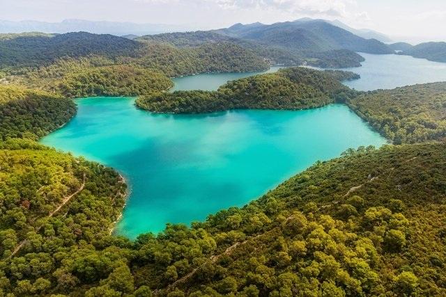 Những hòn đảo đẹp không tưởng ở châu Âu - 7