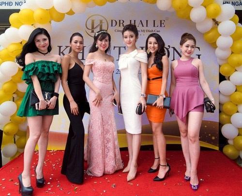 Á hậu Huyền My cùng hotgirl Mai Thỏ, cùng các hotgirl, người mẫu tham dự sự kiện khai trương cơ sở 2 Dr.Hải Lê