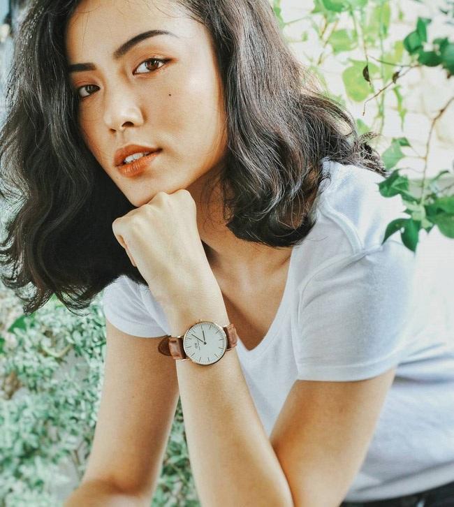 Thần thái, vẻ sang trọng toát lên từ ánh mắt biết nói, gu thời trang ấn tượng mang thương hiệu Hồ Ngọc Hà, người ta cũng dễ thấy được ở cô gái Sài thành.