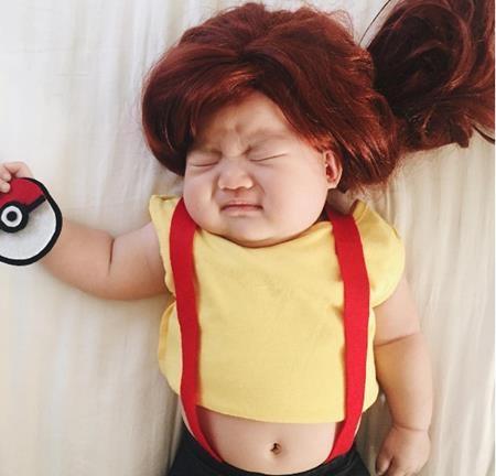Bé cũng thích chơi Pokemon Go như ai