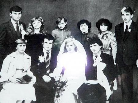 Bộ phim dựa trên chính câu chuyện tình yêu bi thảm của một người lính cứu hoả mang tên Vasily Ignatenko và bà xã Ludmila. Do công tác dọn dẹp sau thiên tai, Vasily đã bị nhiễm một lượng phóng xạ lớn và bất chấp mọi hiểm nguy, người vợ Ludmila vẫn kiên quyết ở bên Vasily cho tới giây phút anh trút hơi thở cuối cùng.