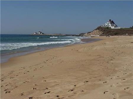 Siêu biệt thự chỉ cách bờ biển vài phút đi bộ
