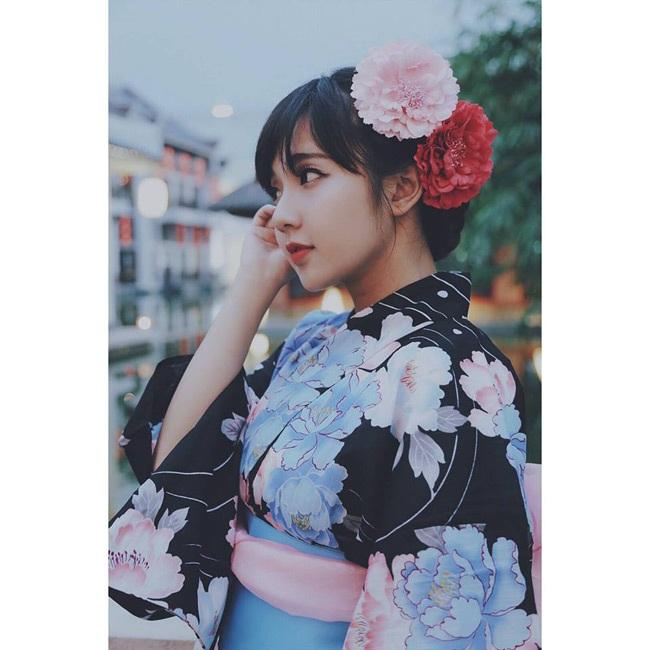 Ở một số góc nhìn, Khánh Hà được nhận xét có nhiều nét giống hot girl Hàn Quốc.