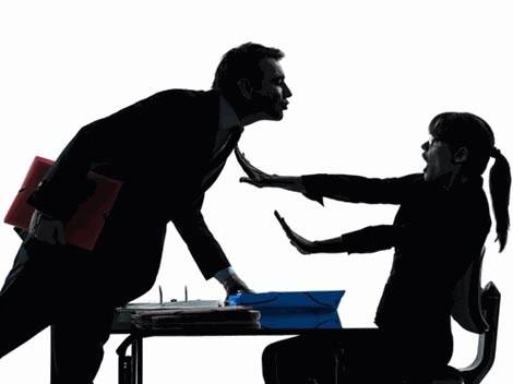 Hơn nửa phụ nữ Anh bị quấy rối tình dục tại nơi làm việc.
