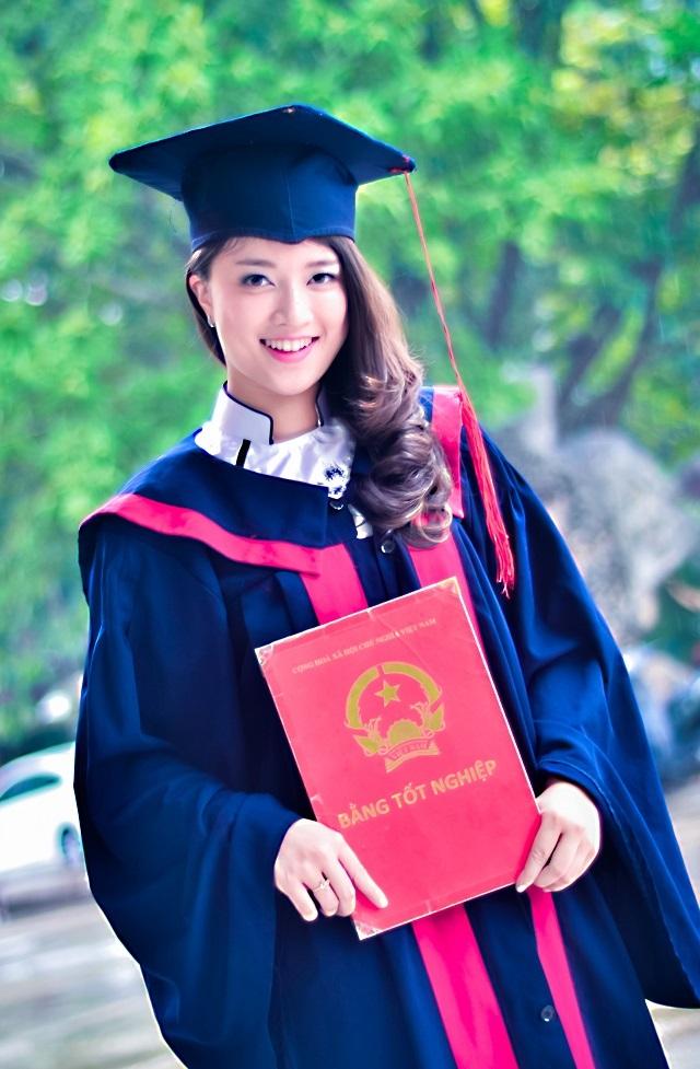 Phạm Quỳnh Anh gặt hái được không ít thành tích trong cả học tập lẫn hoạt động Đoàn.