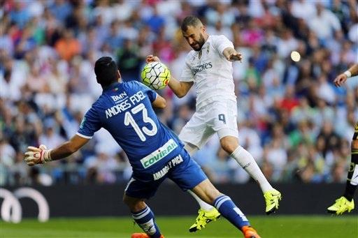 Benzema ghi bàn duy nhất ở trận đấu với Granada ở lượt đi