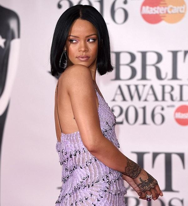 Rihanna trình diễn khiêu khích bên người yêu cũ Drake - 14