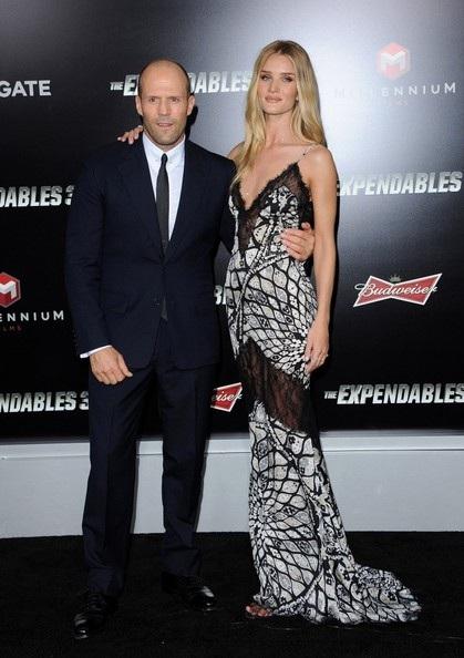 Jason Stathamchú trọng tới vẻ ngoài hơn kể từ khi hẹn hò với Rosie Huntington-Whiteley