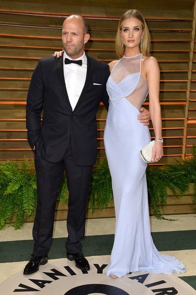 Jason Statham và Rosie Huntington-Whiteley được khen ngợi nhiều vì phong cách thời trang sành điệu khi sánh đôi cùng nhau