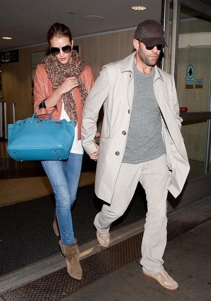 """""""Người vận chuyển"""" và bạn gái siêu mẫu: Cặp đôi hoàn hảo - 16"""