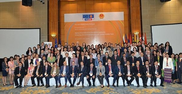 Diễn đàn quy tụ 150 lãnh đạo giáo dục cấp cao, các nhà quản lý trường đại học, các học giả và sinh viên đến từ Việt Nam, các nước thành viên ASEAN và EU.