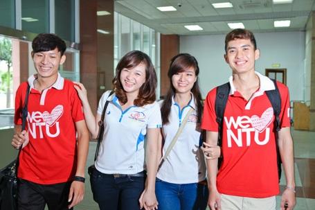 Sinh viên trường ĐH Nguyễn Trãi