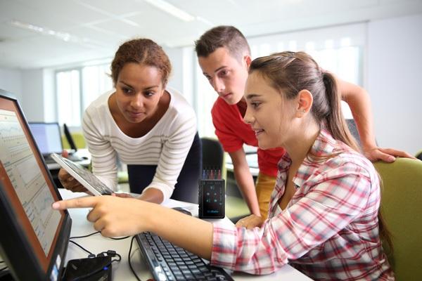 Chiến lược giáo dục STEM đang được nhiều nước áp dụng để thúc đẩy nền kinh tế trí thức. (ảnh minh họa)