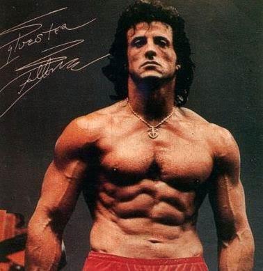 Ngôi sao cơ bắp cũng thử sức và thành công trai vai trò đạo diễn. Nam diễn viên nổi tiếng này từng kết hôn 3 lần và có 5 đứa con.