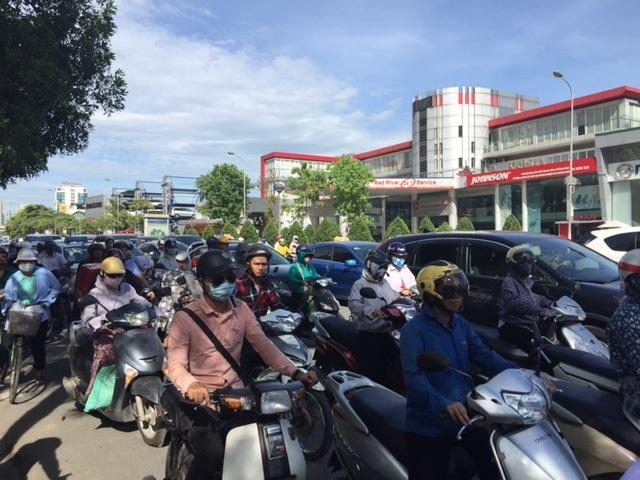 Hà Nội: Nghẽn nặng ở các tuyến đường phía Tây Nam - 1