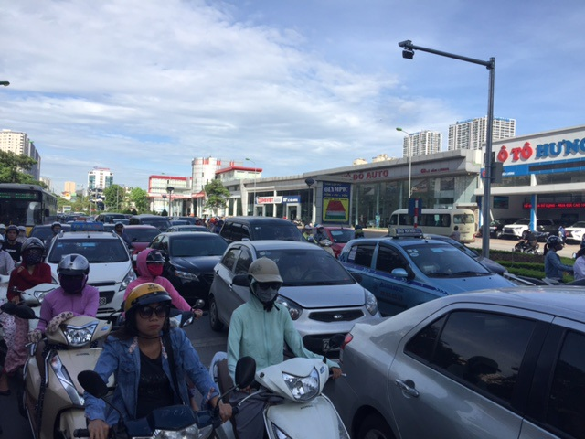 Hà Nội: Nghẽn nặng ở các tuyến đường phía Tây Nam - 3