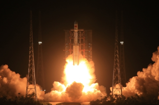 Trung Quốc phóng thành công tên lửa Trường Chinh-7 vào tối 25/6. (Ảnh: Tân Hoa Xã)