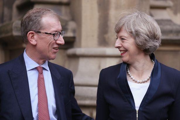 Ông May được cho là đã ủng hộ rất lớn cho chiến dịch tranh cử thủ tướng cũng như sự nghiệp chính trị nói chung của vợ. (Ảnh: Getty)