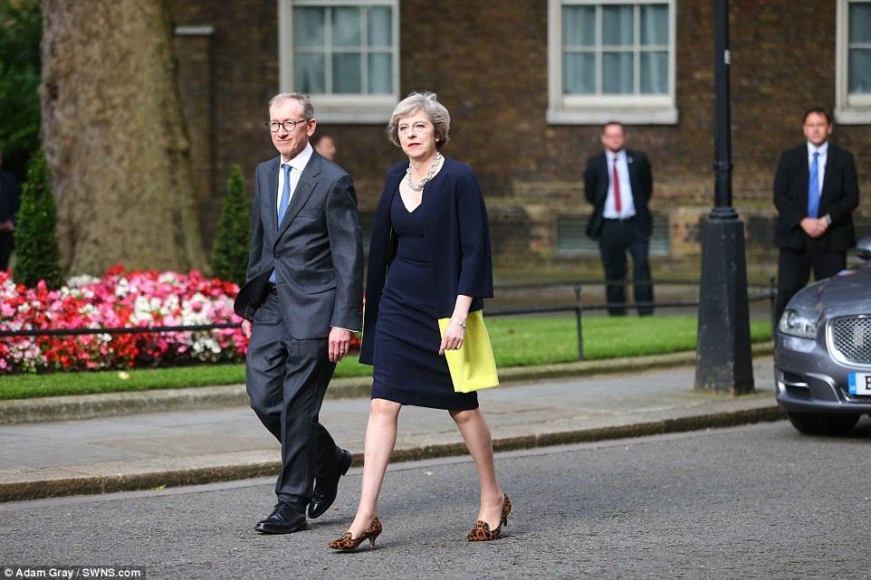 """Như vậy, bà May chính thức trở thành nữ Thủ tướng thứ hai của Anh kể từ sau """"Bà đầm thép"""" Margaret Thatcher. (Ảnh: Getty)"""