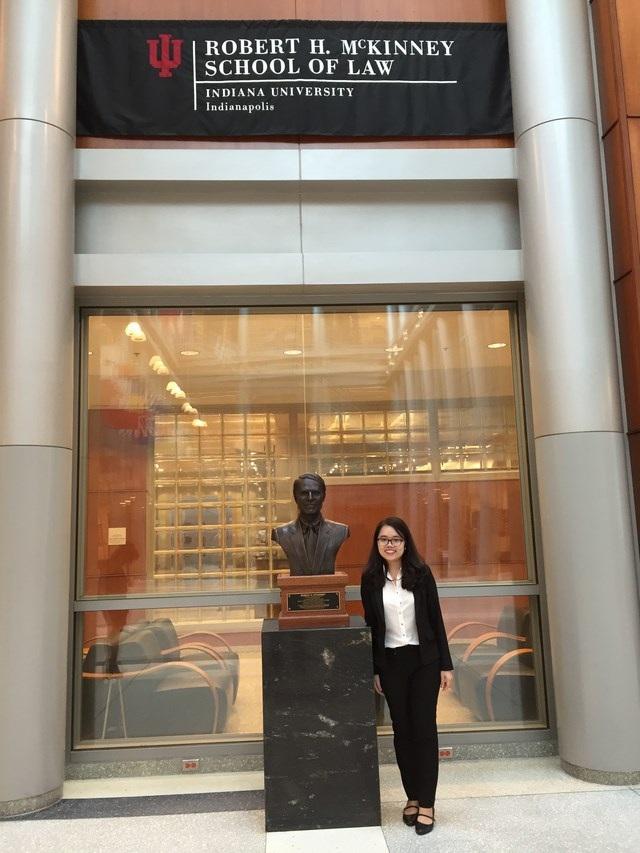 """""""Nhà tranh tụng"""" 9X xuất sắc đã giành vé theo đuổi bằng Thạc sỹ chuyên ngành Luật Sở hữu trí tuệ tại trường Indiana University Robert H. McKinney School of Law, Hoa Kỳ."""