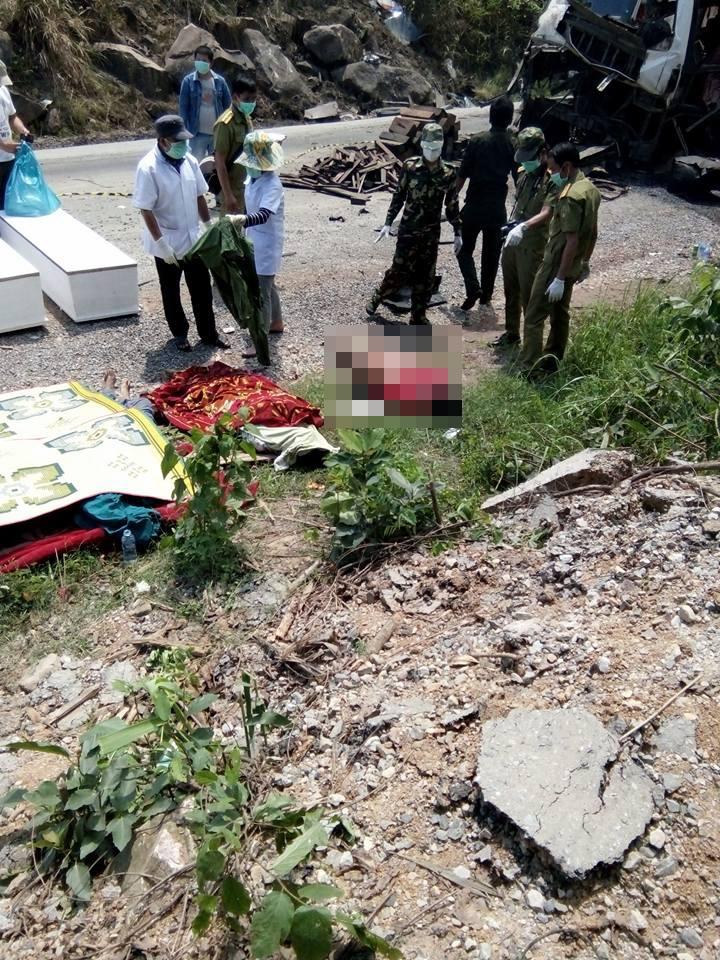 Vụ nổ xe khách 8 người chết: Có xác pháo ở hiện trường? - 3