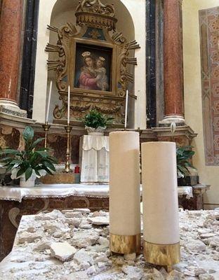 Lễ cưới cảm động nơi động đất tàn phá - 2