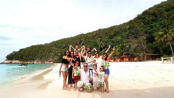 Hành trình tới đảo thiên đường Redang ở Kuala Terengganu, Malaysia của Nhóm Ba gia đình và các bé Su, Pi, Bông, Bee, Boo tạm dừng ở đây.