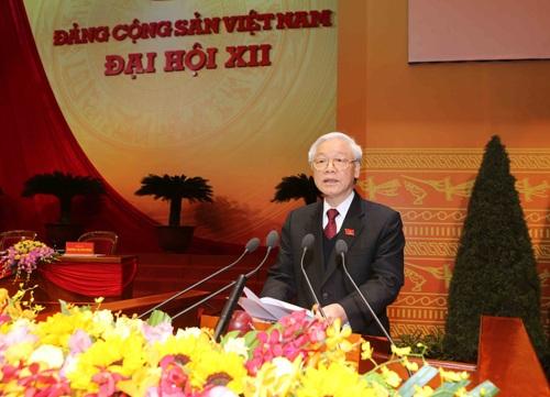 Tổng Bí thư Nguyễn Phú Trọng thay mặt Bộ Chính trị, Ban Chấp hành Trung ương khóa mới phát biểu trước Đại hội.