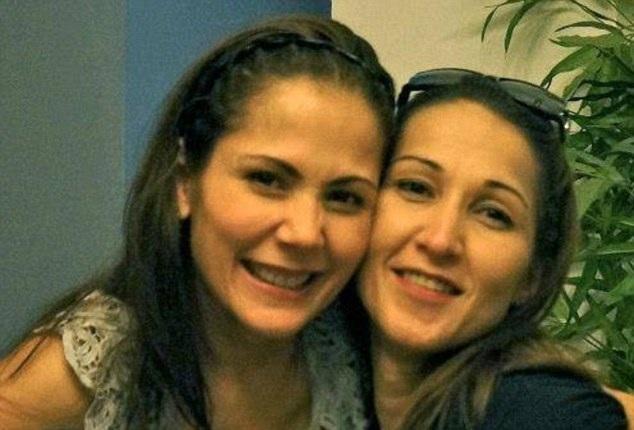 Aurora Moynihan (trái) và chị gái. (Ảnh: Dailymail)