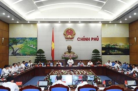 Thủ tướng Nguyễn Xuân Phúc chủ trì phiên họp trực tuyến Chính phủ với các địa phương. Ảnh: VGP/Quang Hiếu