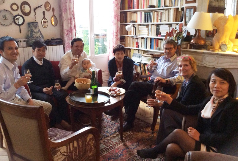 TS. Tuân cùng với lãnh đạo Phòng Khoa học công nghệ và Hợp tác quốc tế - Khoa Khoa học cơ bản thăm và làm việc với các đồng nghiệp tại Pháp.