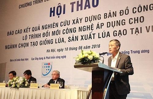 Thứ trưởng Bộ Khoa học và Công nghệ Trần Văn Tùng chia sẻ tại hội thảo
