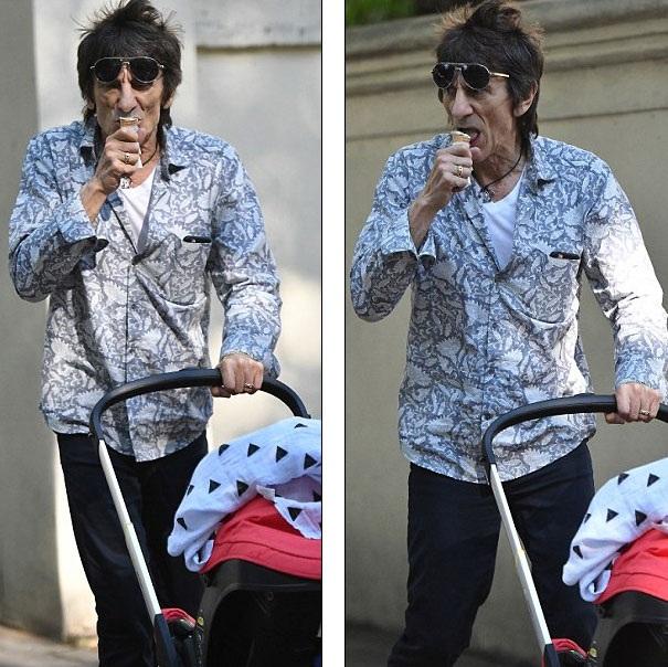 Ronnie vẫn chơi nhạc và đi lưu diễn cùng nhóm nhạc Rolling Stones của mình.
