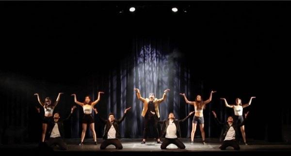 Cùng nhiều phần trình diễn tài năng nhảy, ca hát, múa sôi động và ấn tượng.