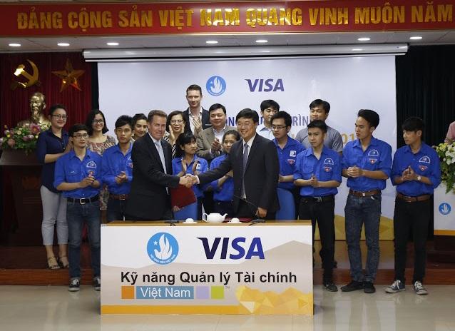 Visa và Trung ương Hội Sinh viên Việt Nam (CCVSA) kí kết Biên bản Ghi nhớ (MoU) lần thứ hai, đánh dấu mối quan hệ hợp tác lâu dài trong việc giáo dục kiến thức tài chính cho thế hệ trẻ.