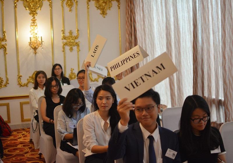 Các đại biểu sẽ tranh luận, sửa đổi và bỏ phiếu cho nghị quyết tại hội thảo.