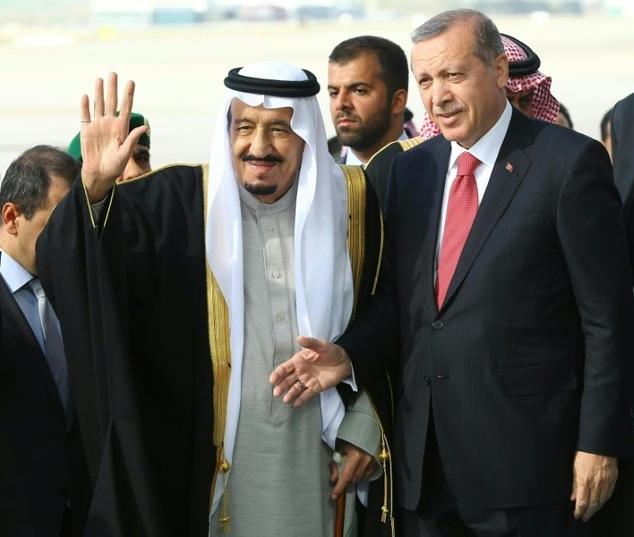 Nhà vua Ả rập Xê út Salman được tiếp đón trọng thị trong chuyến thăm Thổ Nhĩ Kỳ. (Ảnh: AFP)